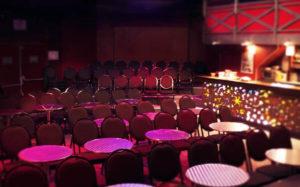 Salle de café théâtre
