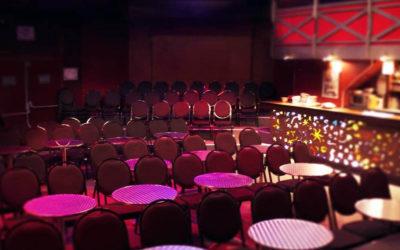 Le café-théâtre : un genre théâtral de plus en plus plébiscité